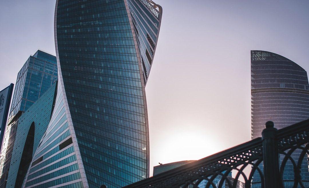 Różnice w brytyjskim i amerykańskim angielskim – spółki kapitałowe i prawo spółek